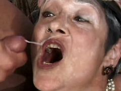 Granny fucks on sofa n gets facial