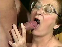 Hot granny still likes to blow dick