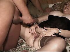 Chubby mom gets creampie after fuck